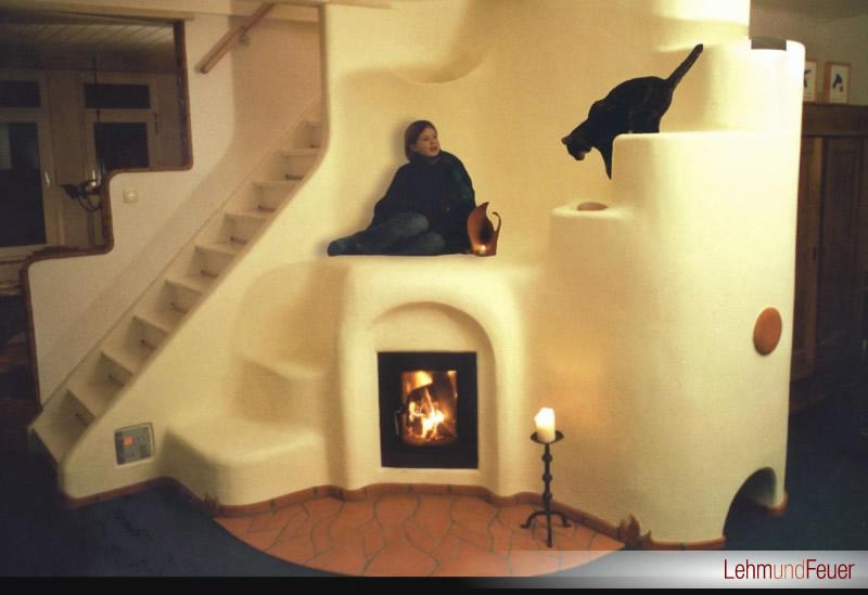 gemauerter lehmofen handwerklicher speicherofen lehm und feuer. Black Bedroom Furniture Sets. Home Design Ideas