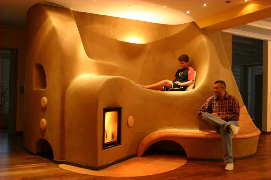 speicherofen aus lehm traditioneller kachelofen lehm und feuer. Black Bedroom Furniture Sets. Home Design Ideas